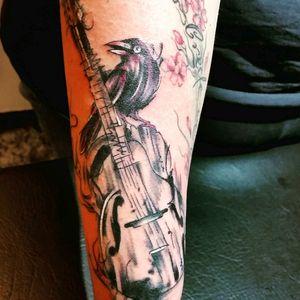 #raven #on #guitar #inklove #sleeve #notready