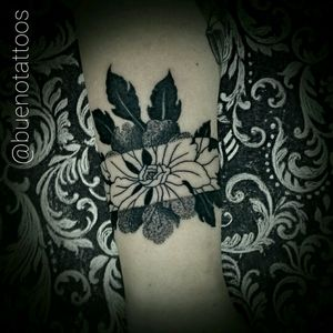 #fineline #blackworker #dotwork #tattooblack #blackandgrey #tattooflor