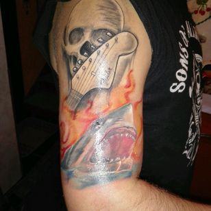Rock skull and Secund tatoo, shark in sea on flames inspired by the movie (the shalhows ) by Tiago siez (alto astral) #shark #flames #skull #guitar #realism #fresh