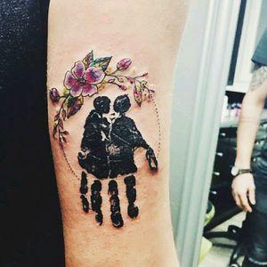 #black #blackink #tattoo #megandreamttattoo #handprint #memories #flower #blackwork #color #original #desitm #tattodo #ink #art #blacktattooart #tattooart #tattoo