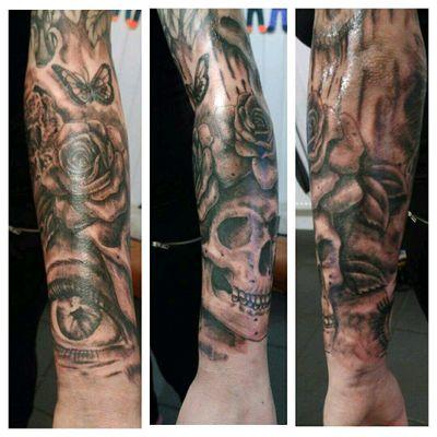 Sleeve #tattoos #skull #roses #owl #eye #sleevetattoo #pistol #flowers #ink #girlswithtattoos 2.1.17