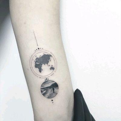By #evakrbdk #worldmap #beach #circletattoo #tinytattoo #beachtattoo #tattoodesign
