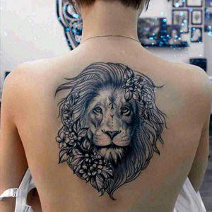 #tattoodo #blackandgrey #flowers #kingofthejungle #cat #lion #liontattoo #lionhead #tattoo #inked #tattooart #tattooartist #art #animal #animaltattoo #flower #backtattoo