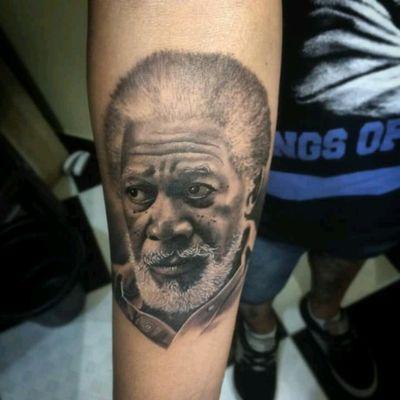Amazing portrait of Morgan Freeman. By brazilian artist Sandrinho Cavalcante #portrait #retrato #realismo #pretoecinza #blackandgreyportrait #SandrinhoCavalcante #MorganFreeman #movies #filmes #ator #actor #tatuadoresdobrasil