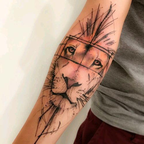 By #VictorMontaghini  #lion #animal #liontattoo