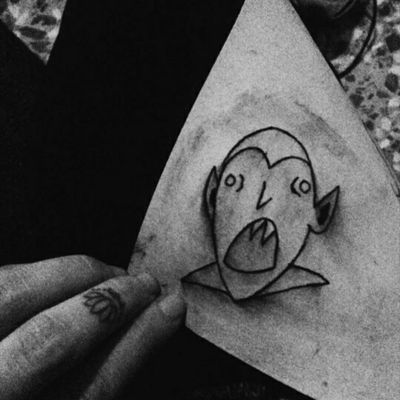 Vampire❤ #tete #apprenticetattoo #tattoo #vampire #vamp #darktattoo #inkedgirl #lotto #vampiro
