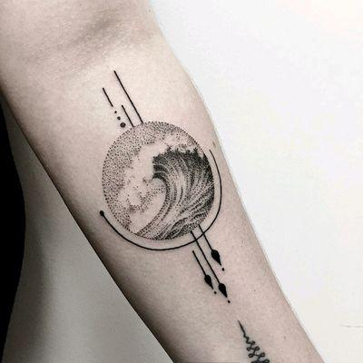 By #serge_tattooer #wave #dotwork #geometric #linework