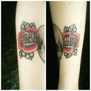 #tattoo #roses #oldschool #red #black #tattoolifestyle #tattooaddict