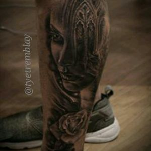 Start to this #surreal #legsleeve project. #ladyface #window #rose #facemorph #blackandgrey #realism