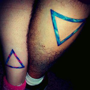 #triangle #leg #geometric #color #tattooedcouple #coupletattoo #couple #triangles