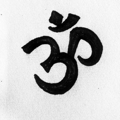 Om sketch. #tete #design #sketch #om #budishm #apprenticetattoos #tattoo #tattoos #tatuaje #ommanipadmehum