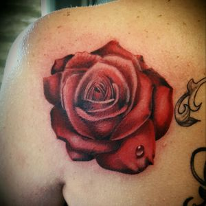 My first rose color realistic style By thedoud apprentice tattoo artist  #thedood#tattoo#apprenticetattoo#amazingink#tattooflower#tattooblackskin#blackandgrey#blackandgreytattoos#tattoorose#rosetattoo#cheyennehawk#cheyennetattooequipment#tattoolifemagazine#tattoolife#tattoolegs#blackskintattoo#realisticrose#realistictattoos#rosecolortattoo#tattoorosecolor#rosetattoodesign