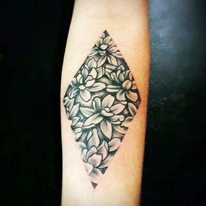 #mauromilan#tattooflores#tattooblackandgrey