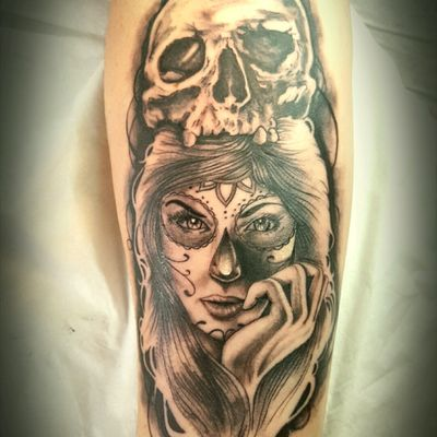 Catrina by thedoud #thedoud#apprenticetattoo#amazingink#tattoos#tattoolifemagazine#tattoo#tattoolifemagazine#tatoueur#tatouages#beauty#besttattoo#inked#thedood#arabesque#sketchbook#sketching#realistictattoo#tattoorealistic#catrina#tattoocatrina#catrinatattoo#mexicantattoo#tattoomexico#tattoo_artist_#tattooartist#inkmemagazine