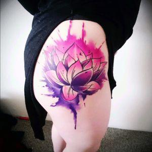 Lotusflower Tattoo #lotus #lotusflower #inked #inkedbody #inkedgirl #aquarell #watercolor #AbstractWatercolor #watercolortattoo #sexytattoogirl