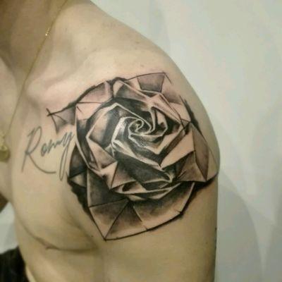 Great origami's rose idea from Clément... what delightful idea 🌹 #tattoo #toulouse #rose #manwithtattoos #sketchtattoo #origami #paper #origamitattoo #tattooshoulder #tattoodo #tattoome #guyswithtattoos #realism #graphictattoo #tattooartist #tattooart #tattooedman #instatattoo #tatouaje #tattooist #tatouage #tattooing #inked #ink #graphicdesign #blackandgreytattoo #instagood #style #artcoretattoos #sebastienoddtattoos
