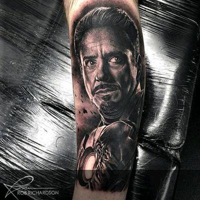 Iron Man tattoo by Rob Richardson! #homemdeferro #ironman #RobertDowneyJr #realismo #realism #filme #movies #RobRichardson