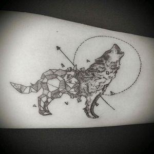 #wolftattoo #wolf #ariastattoo #blackwolf #geometric