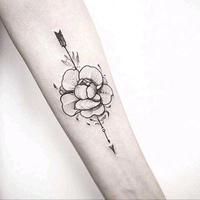 By #TarasShtanko #arrow #rose #flower #blackwork #arrowtattoo #rosetattoo