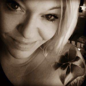 Me.... Good evening #followme #follower #followforfollow #tattoo #tattooedgirl #tattooartist #tattooedwoman