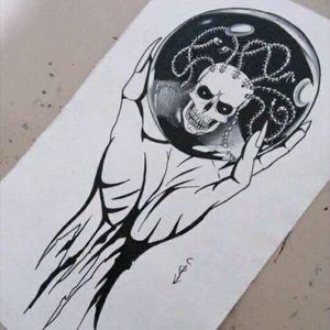 Espejo ___________________________ #tattoo #tattoodesing #glassball #hand #skull #blackAndWhite #wich #monster #horror