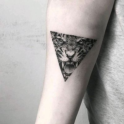 By #mongotattoo #tiger #triangle #tigertattoo