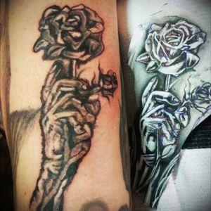 #rose #abstrakt #arm #artist ##mone1971 #tattoo #tattoos #tattooedmann #followme #follower #follow #followforfollow #blackgrey #artist ##mone1971 #dreamtattoo #mindblowing #mone1971 #tattoo