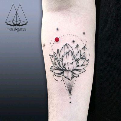 By #MentatGamze #linework #dotwork #lotus #flower #floral