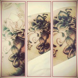 #knie #mone1971 #mindblowing #mone1971 #follower #follow #followforfollow #artist #dreamtattoo #mindblowing #tattoo #tattoos #tattooedgirl #tattooartist #tattooedwoman #me #blackgrey #