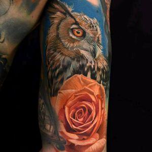 Owl tattoo by Phil Garcia #coruja #owl #flor #flower #realismo #realism #colorida #colorful #PhilGarcia