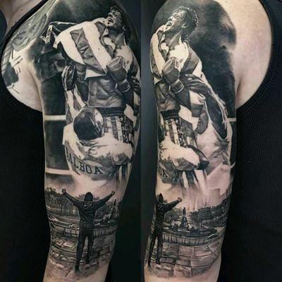 Rocky Balboa tattoo by Matteo Pasqualin #rocky #rockybalboa #SylvesterStallone #boxe #esporte #filmes #movies #flag #bandeira #MatteoPasqualin #realismo #realism #pretoecinza #blackandgrey