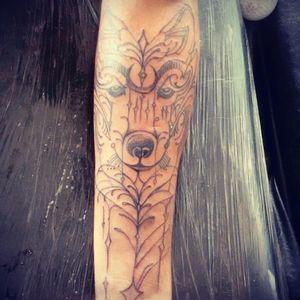Rodrigo Alvarenga finalizou a primeira seção no cliente Gabriel. #tattoolobo #wolftattoo #tattoowolf #malocausual #malocatattoo