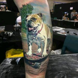 Skater dog by Ben Kaye #tattoodo #TattoodoApp #tattoodoBR #cachorro #dog #skate #skateboard #bulldog #realismo #realism #BenKaye