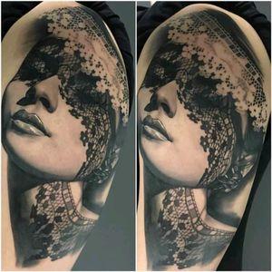 Portrait by Matteo Pasqualin #tattoodo #TattoodoApp #tattoodoBR #portrait #retrato #pretoecinza #blackandgrey #sombras #shadows #MatteoPasqualin
