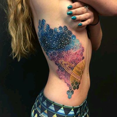Amazing work by Nick Friederick #tattoodo #TattoodoApp #tattoodoBR #tatuagem #tattoo #universo #universe #colorida #colorful #planeta #planet #geometria #geometry #NickFriederick