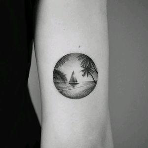 By #amanda_piejak #beach #palmtree #ocean #circle #landscape #holidays