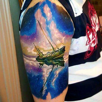 By Emrah Köse #tattoodo #TattoodoApp #tattoodoBR #colorida #colorful #universo #universe #galaxia #galaxy #barco #ship #EmrahKose