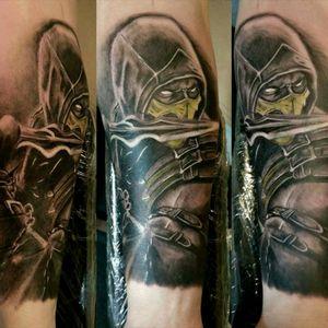 #scorpiontattoo #mortalkombat #worldfamousink #turaniumtattoomachine #hustlebutterdeluxe #blackandgreytattoos #tattoo