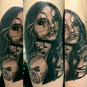 #ChicanoGirl #worldfamousink #turaniumtattoomachine #hustlebutterdeluxe #blackandgreytattoos #tattoo