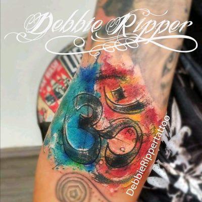 Ya tatuando en Puebla de hoy al 8 de Mayo 💗 #om #watercolorom #attoo #watercolor #tatt #tatuaggio #acquerellotatuaggio #tattoo #colorfulltattoo #colortattoo #debbie #debbieripper #debbierippertatuadora #debbierippertattoo #tattooed #tattooer #inked #tattoodo #tatuadorasmexicanas #conquientatuarte #ink #tattooart #watercolour #watercolortattoo #watercolor #fullcolortattoo #sketchtattoo