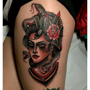 A medusa old school in color a beautiful tatoo in the code of the traditional tattoo americain all that one likes simple and effective .... i lpve this ... #medusatattoo #oldschool #snake #roses #traditionalamericanstyle