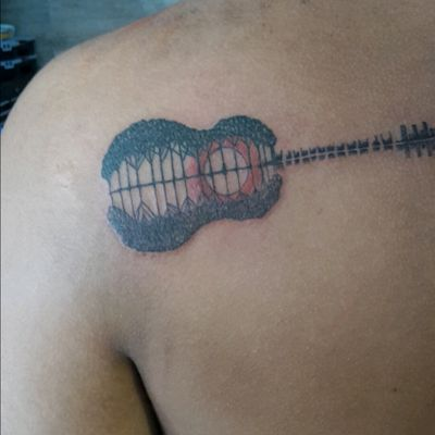#guitar #island #guitarra #propio #paisaje #music #espalda #tattooideas #ideas #tattoo #moon