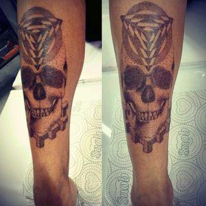 Meu trabalho criação exclusiva #andrealvestattoosp #andrealvestattooartist #electricinkbrasil #electricink #tatuadoresdobrasil #tatuadoresbrasileiros #tattoobrasil #tattoopontilhismo #tattoodotwork #dotworktattoos