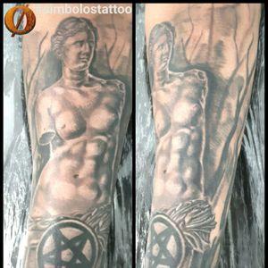 Vênus. #simbolostattoo #aquiagentecria #tattoodesigner #tatuagemmasculina #venusdemilo #pretoecinza #maletattoo #blackandgreytattoo #blackandgrey #brasil #brazil #belem #belemdopara #ananindeua #cidadenova8