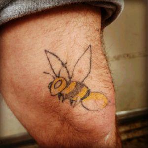 "My Man TRULY IS--> ""The Bee's 🐝 Knees"" #tattooingmyself #bee #bumblebeetattoo #beetattoo #naturetattoo #knee #kneetattoo #MyBoyfriend #inked #inkedup #tattooedboys"