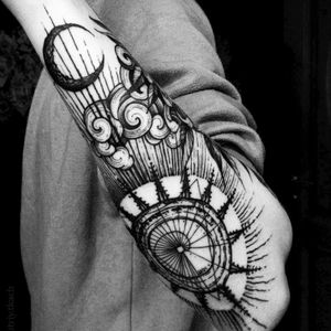 Anyone knows what it's called or what style of tattoo it is Someone can tell me how to look more related