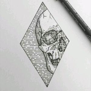 #skull #geometric #geometria