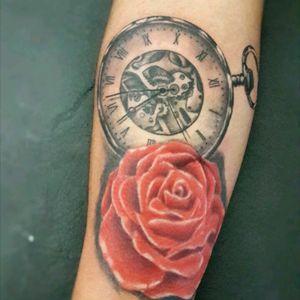 #mauromilan#tattooreloj#tattooflor