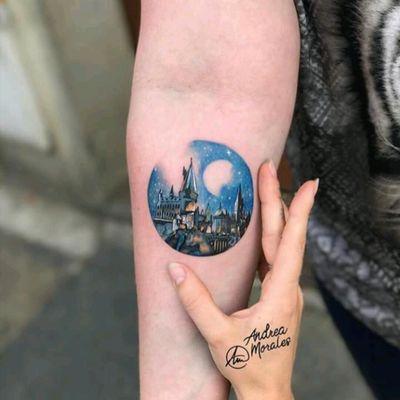 By Andrea Morales. #tattoodo #TattoodoApp #tattoodoBR #tatuagem #tattoo #Castelo #castle #lua #moon #colorida #colorful #AndreaMorales