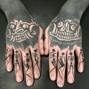 By Servadio #tattoodo #TattoodoApp #tattoodoBR #tatuagem #tattoo #skull #caveira #blackwork #Servadio